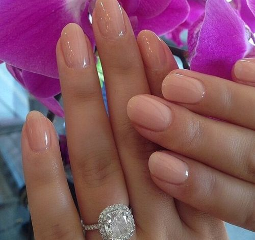 natural-shaped-nails